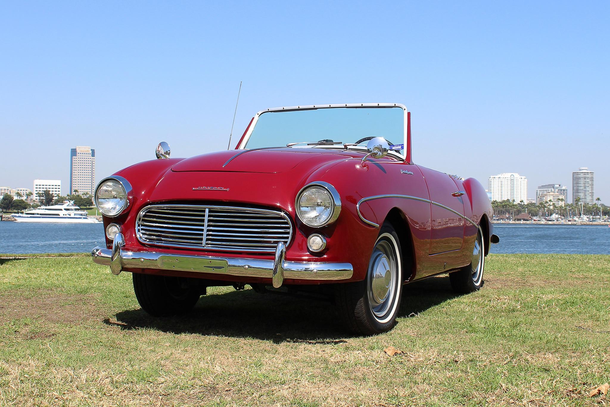 1961 Datsun Fairlady 1200 Front Three Quarter 01
