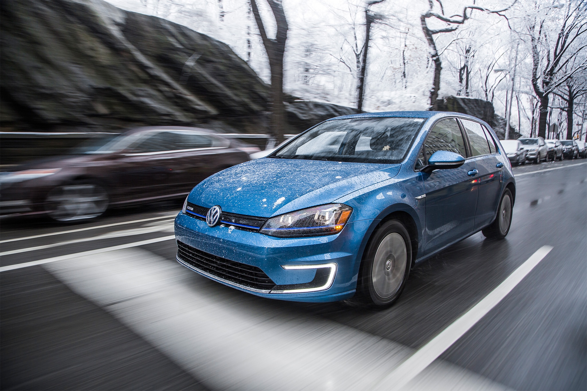 2015 Volkswagen E Golf Premium Front Three Quarter In Motion 10