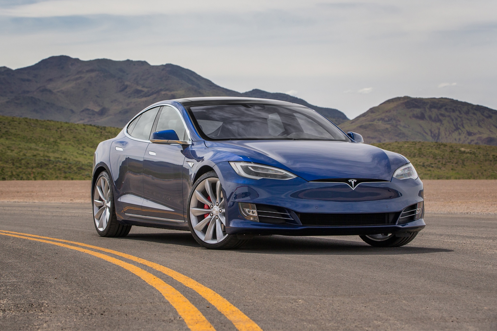 tesla model s 100d is longest range ev currently on sale. Black Bedroom Furniture Sets. Home Design Ideas