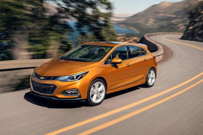 2017 Chevrolet Cruze hatch front three quarter in motion 01