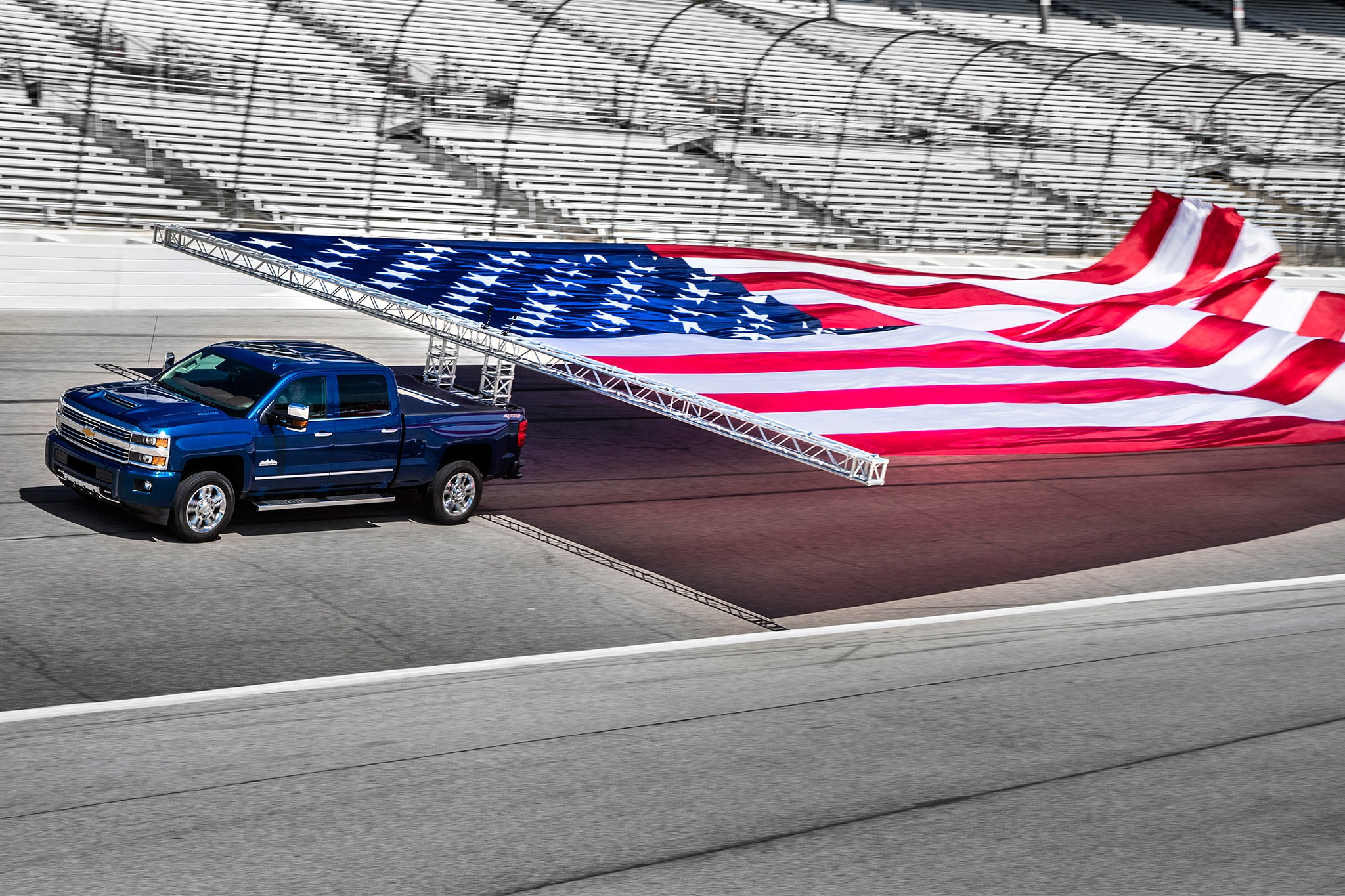2017 Chevrolet Silverado HD Guinness World Record Flag Pull 05