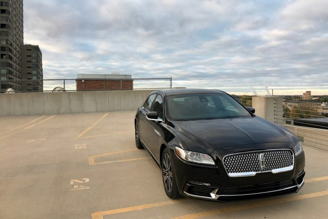 2017 Lincoln Continental Reserve AWD Front 01