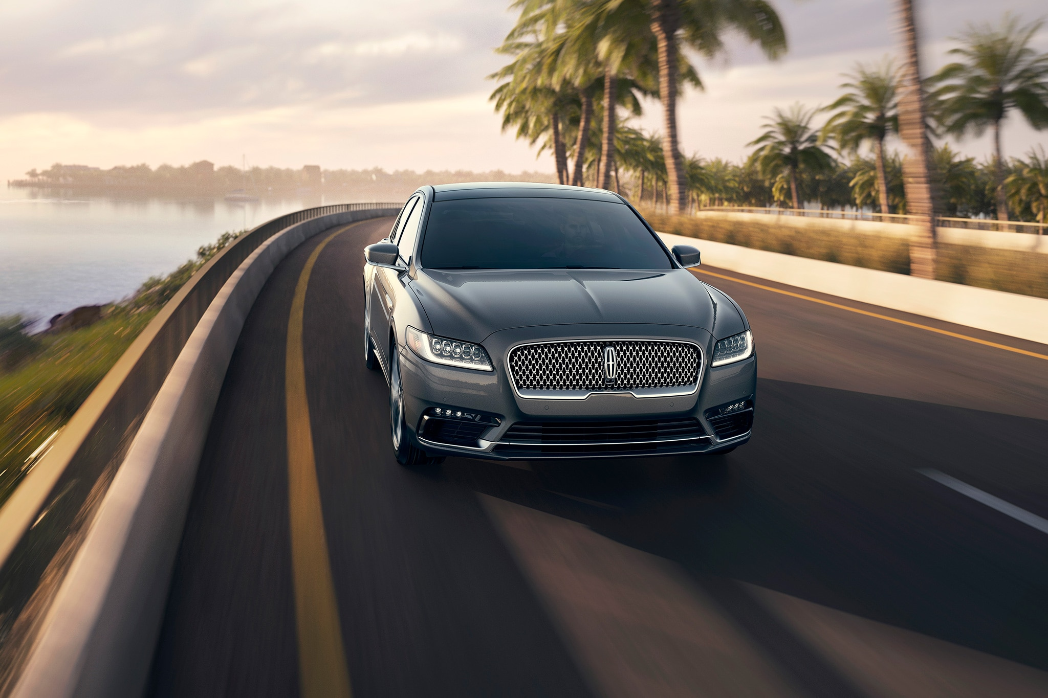 2017 Lincoln Continental Front View In Motion