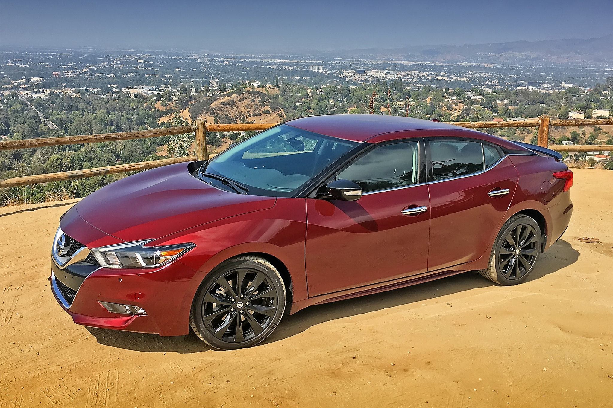2017 Nissan Maxima Front Three Quarter 04