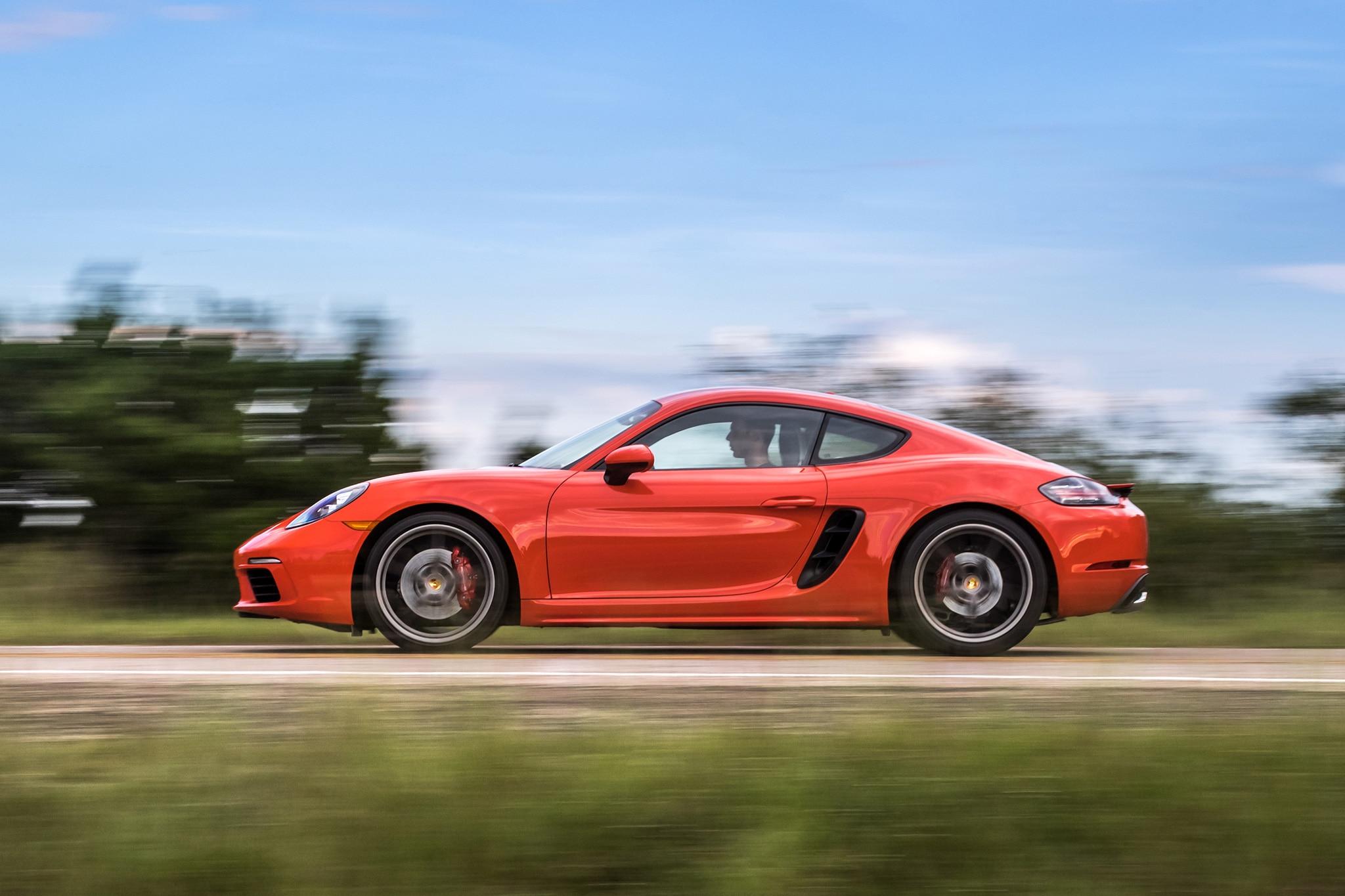2017 Porsche 718 Cayman Side Profile In Motion