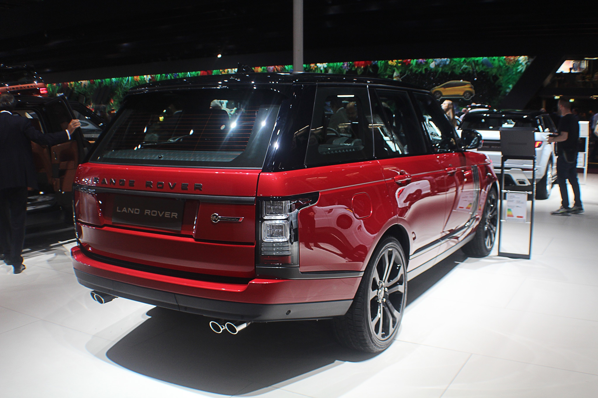 2017 Range Rover SVAutobiography Dynamic Paris Rear