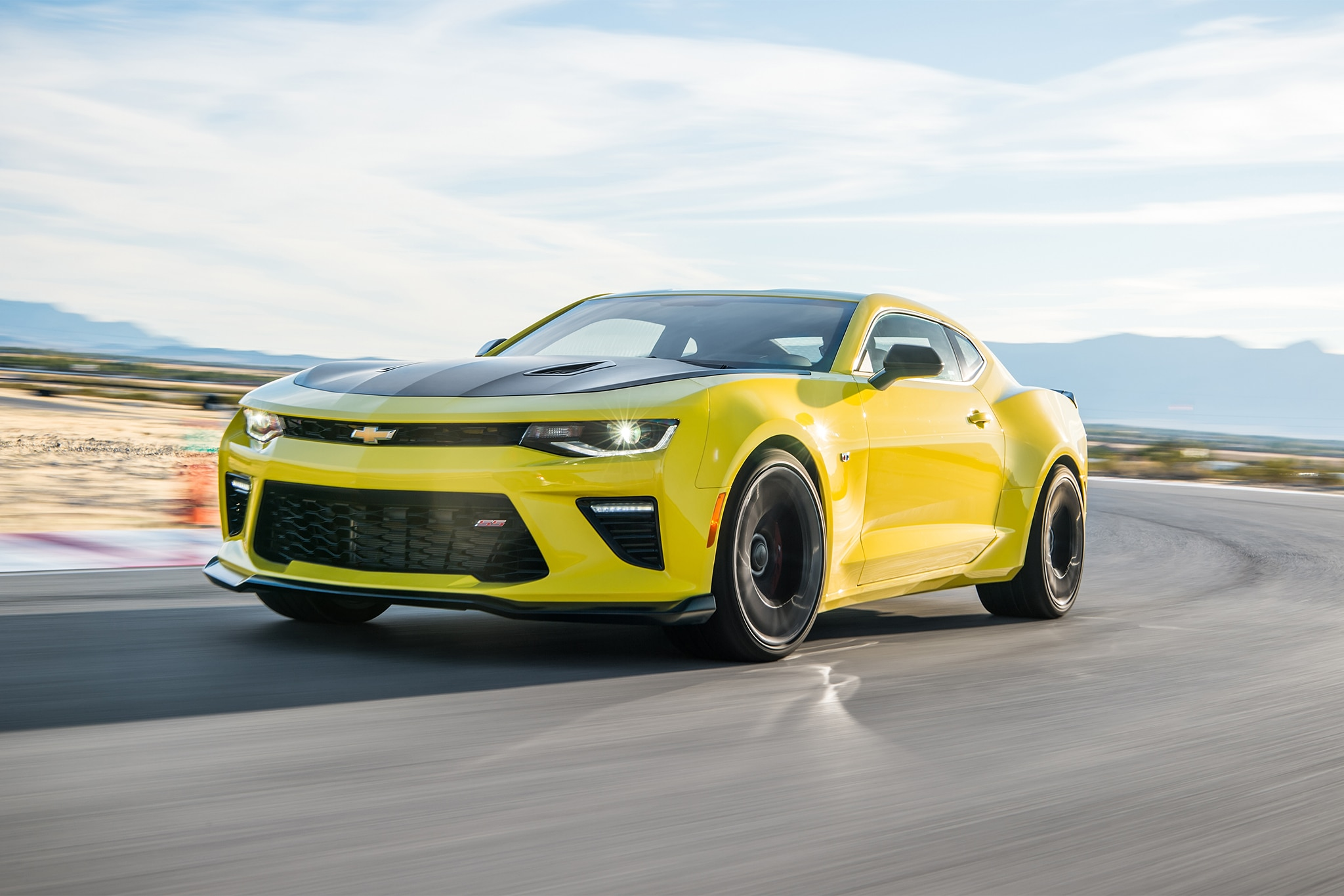 2017 Chevrolet Camaro SS 1LE First Drive Review | Automobile