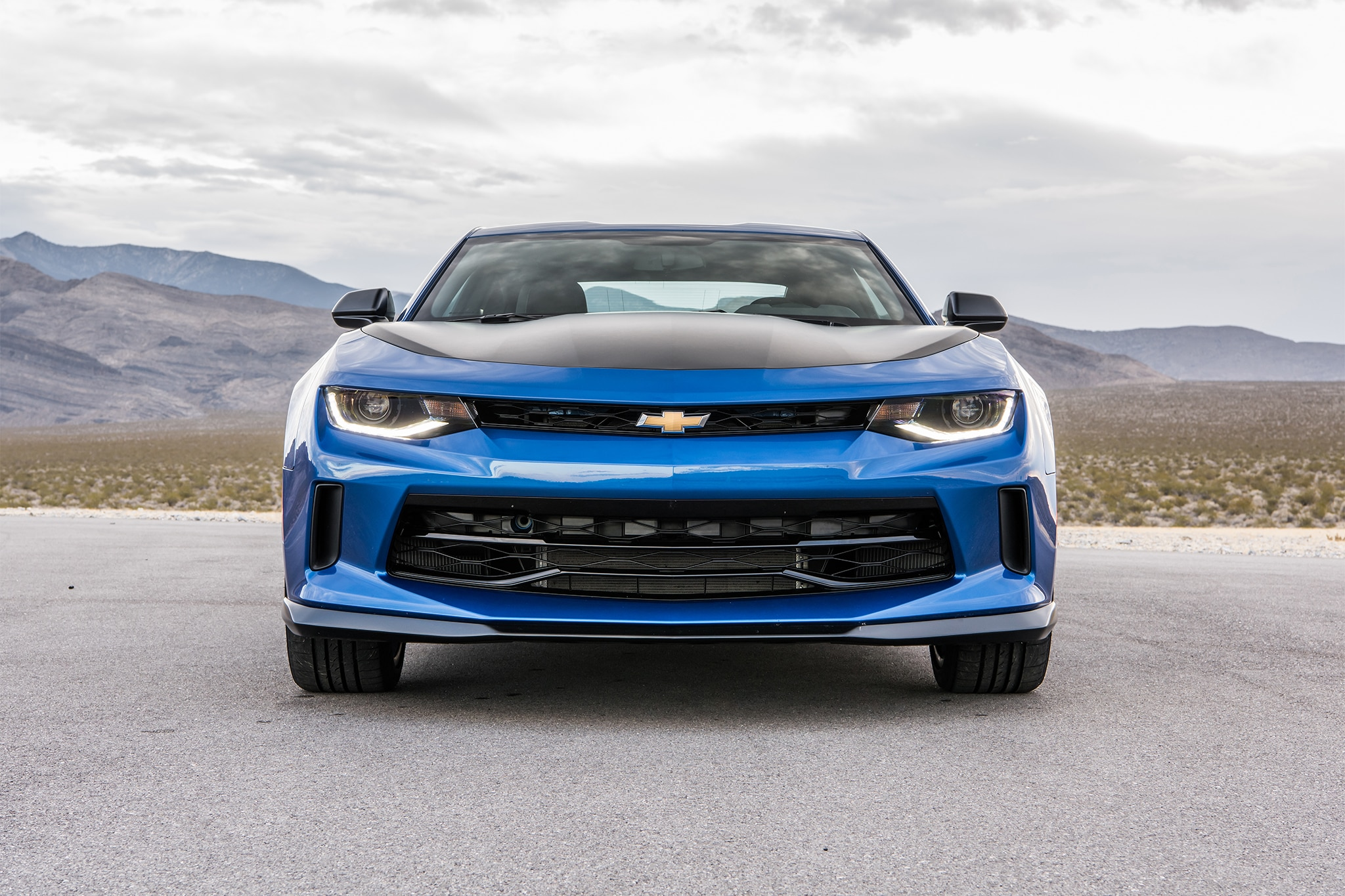 2017 Chevrolet Camaro V-6 1LE One Week Review | Automobile