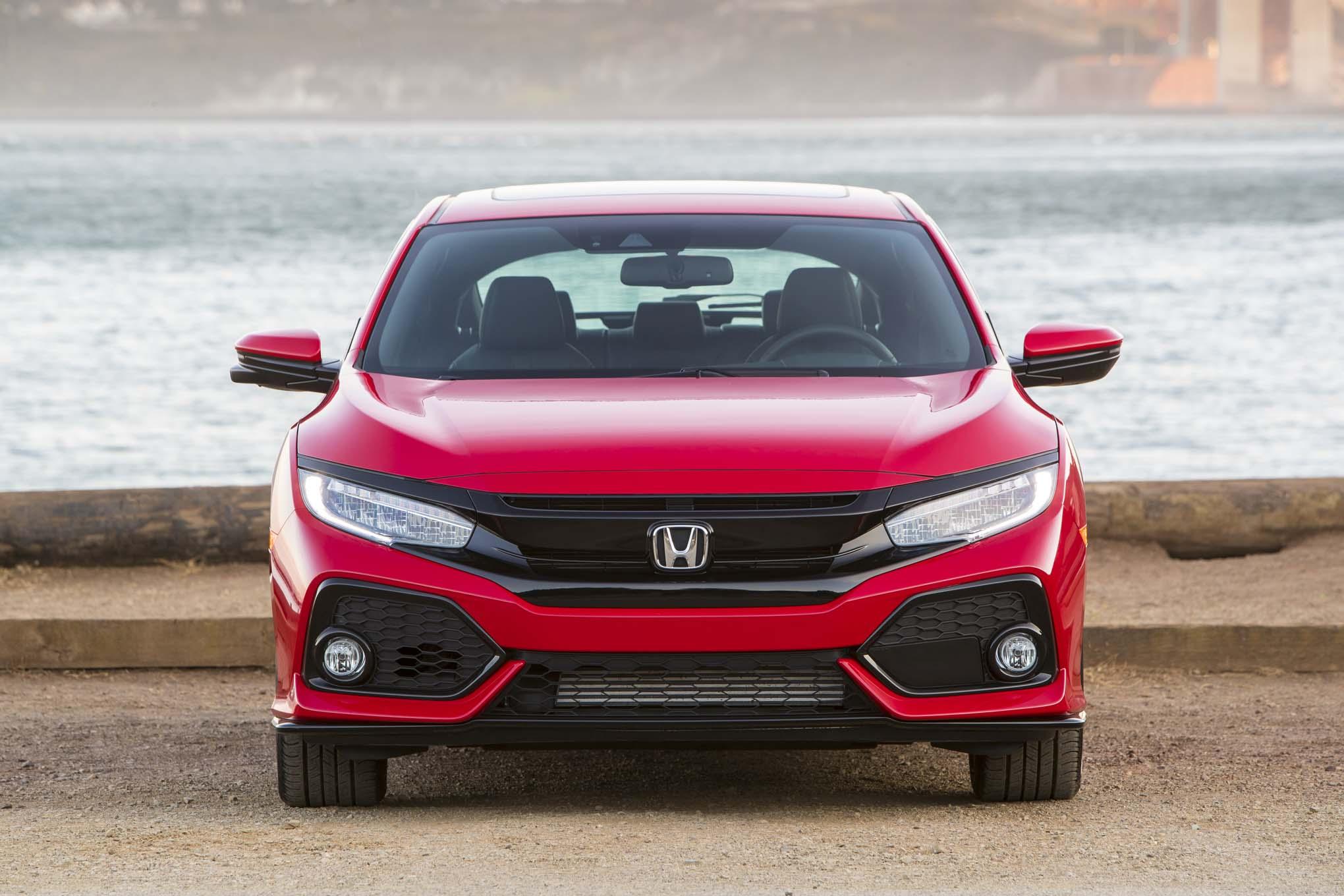 2017 Honda Civic Hatchback Sport Touring Front End