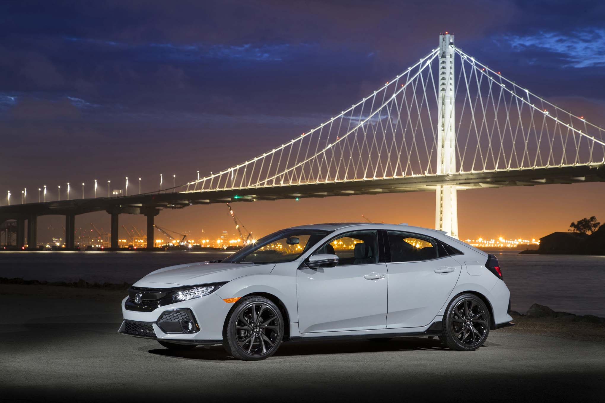 2017 Honda Civic Hatchback Sport Touring Front Three Quarter