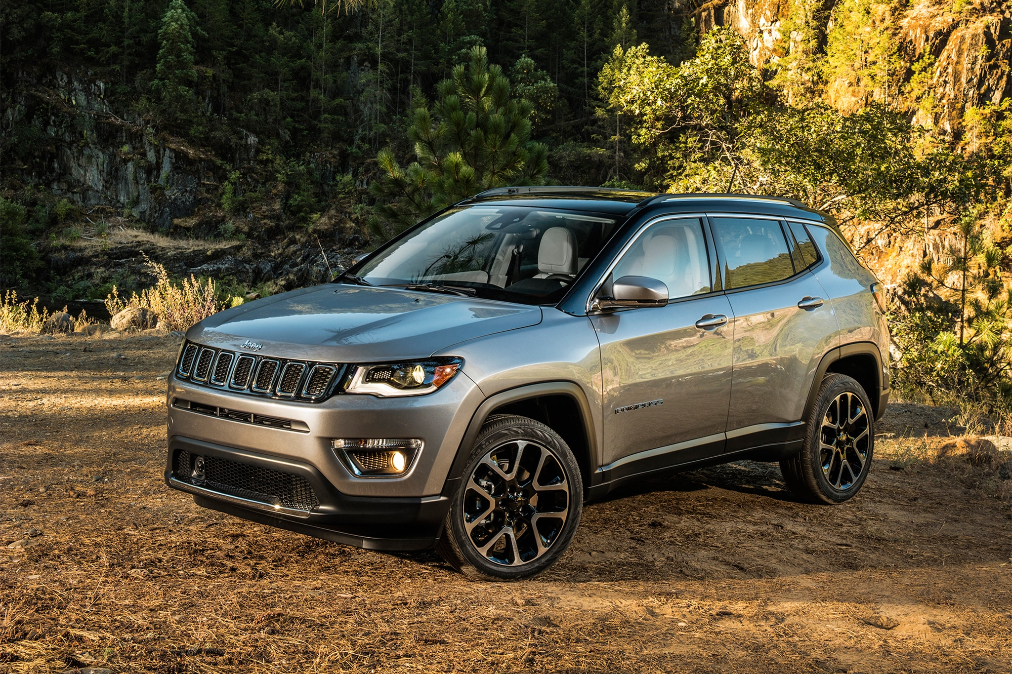 Jeep Cherokee Altitude >> 2017 Jeep Compass First Look | Automobile Magazine