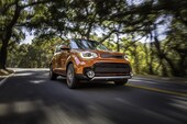 2017 Kia Soul Turbo front three quarter in motion