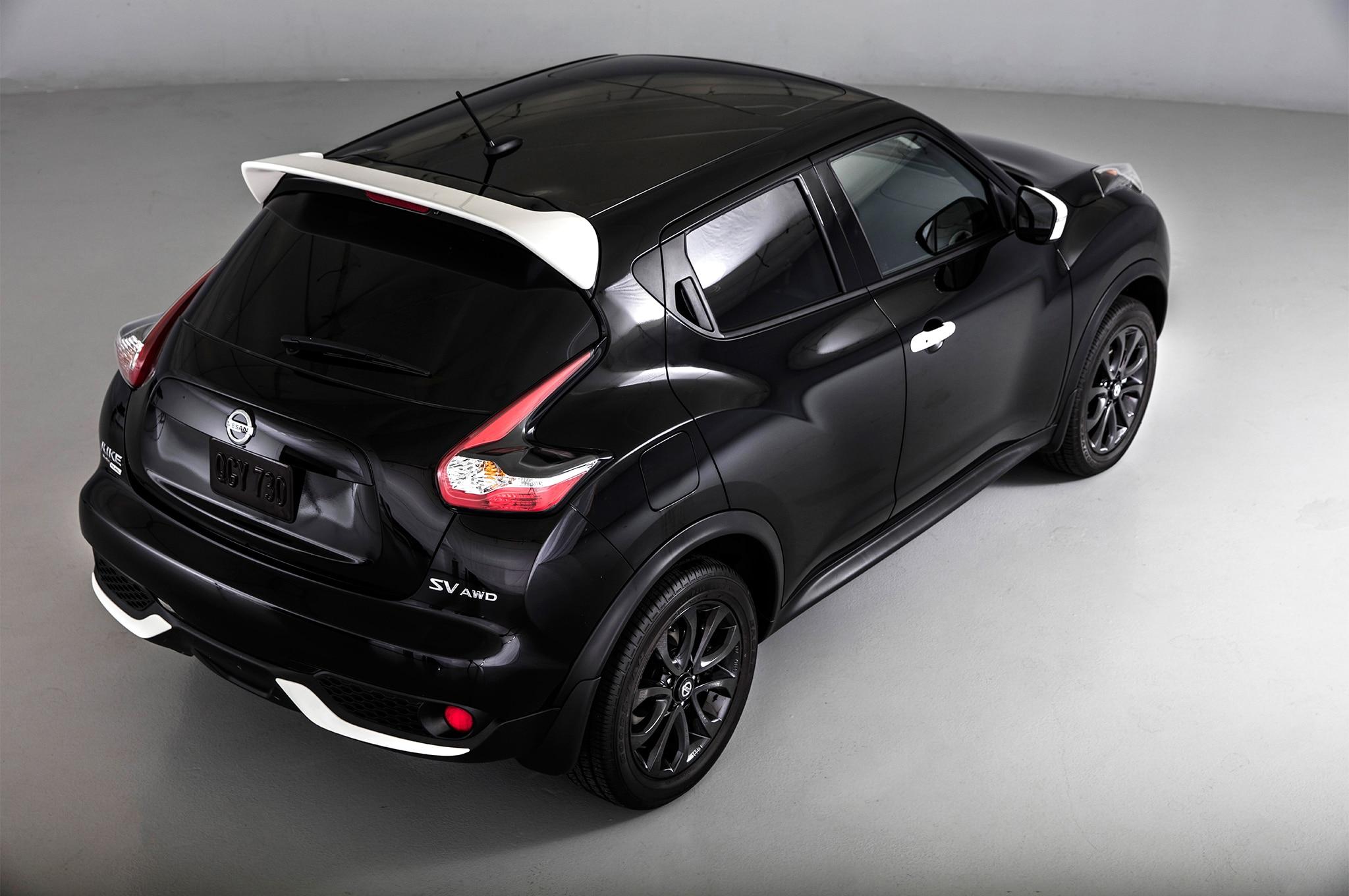 2017-Nissan-Juke-Black-Pearl-Edition-rear-three-quarter-02-24