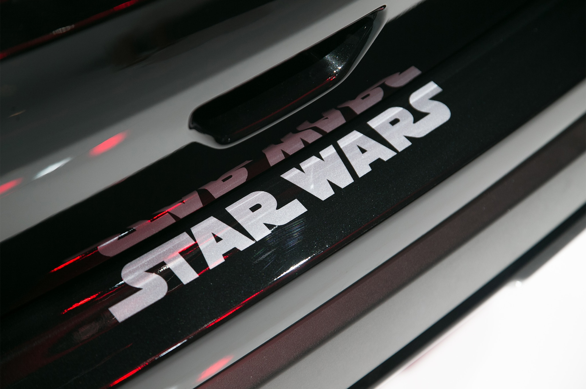 2017 Nissan Rogue Adds Rogue One Star Wars Limited