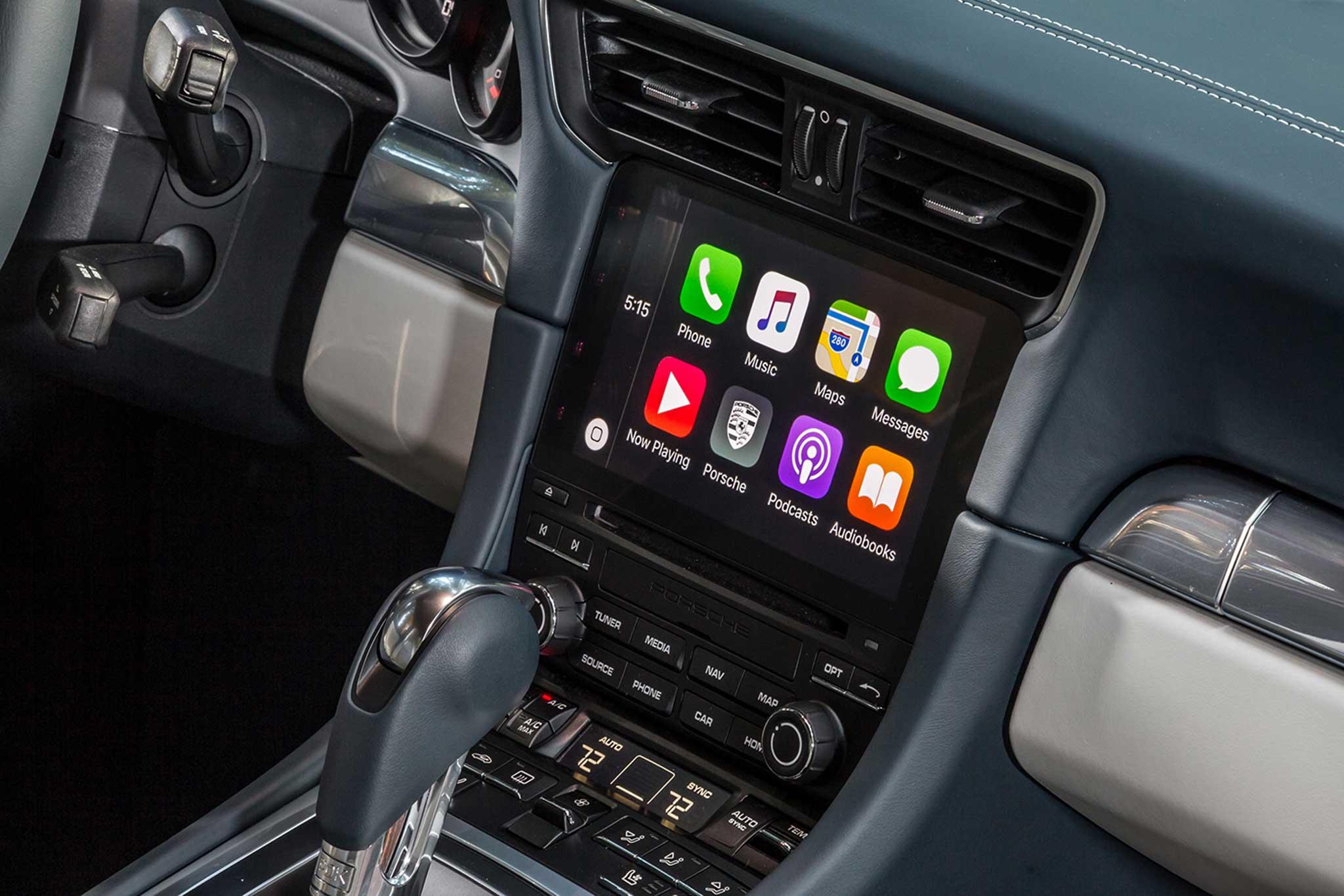 Infiniti Apple Car Play >> Live Traffic And Apple Carplay Automobile Magazine