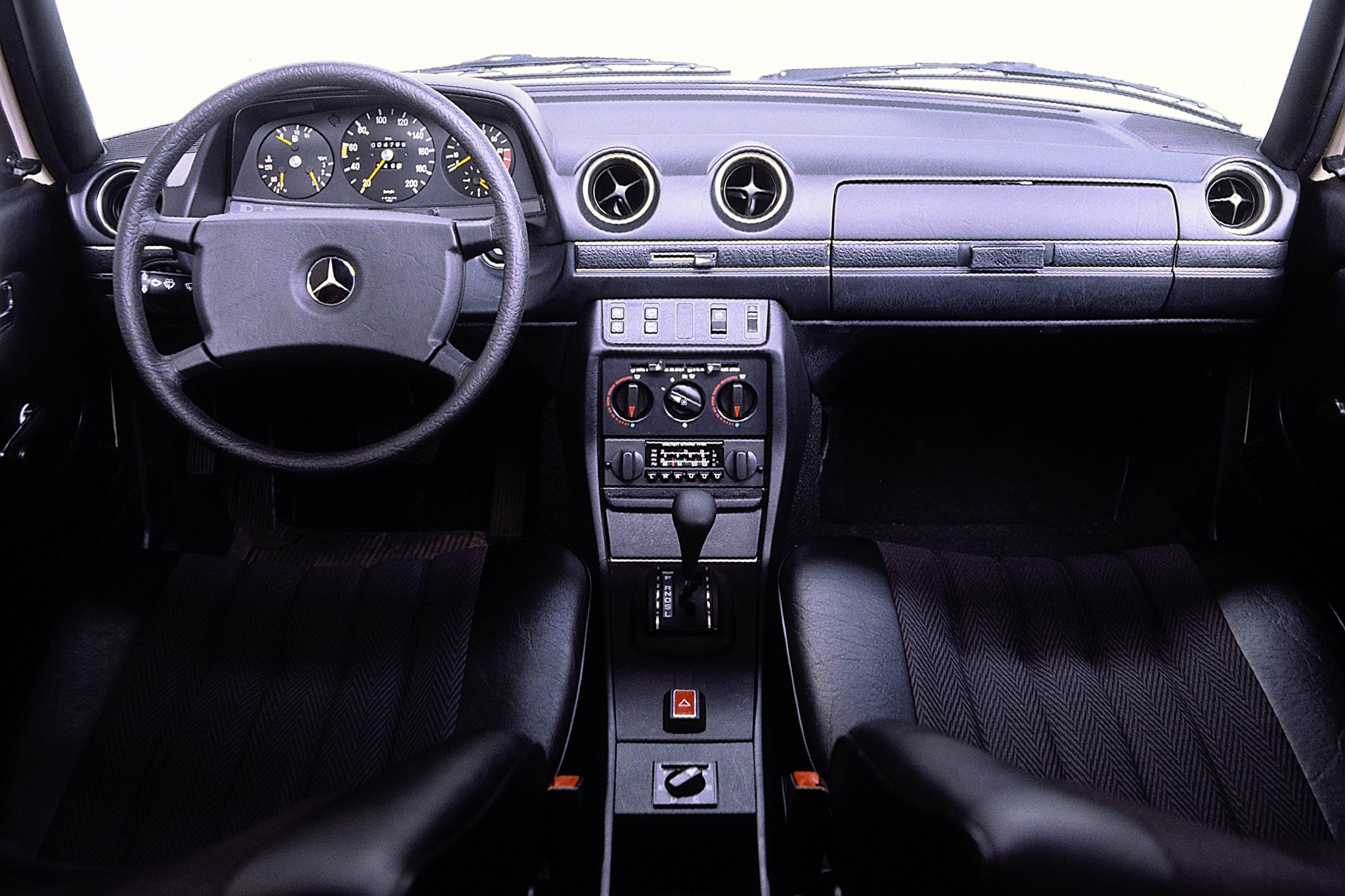 Driving Mercedes-Benz\' Midsize Classics | Automobile Magazine