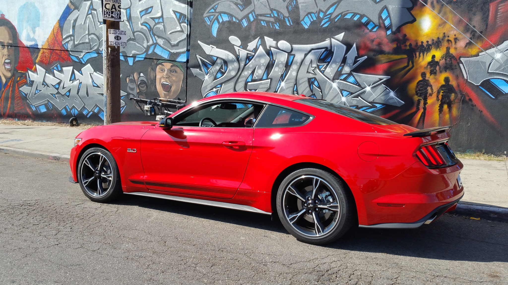 2016 Ford Mustang GT California_mural Side Street