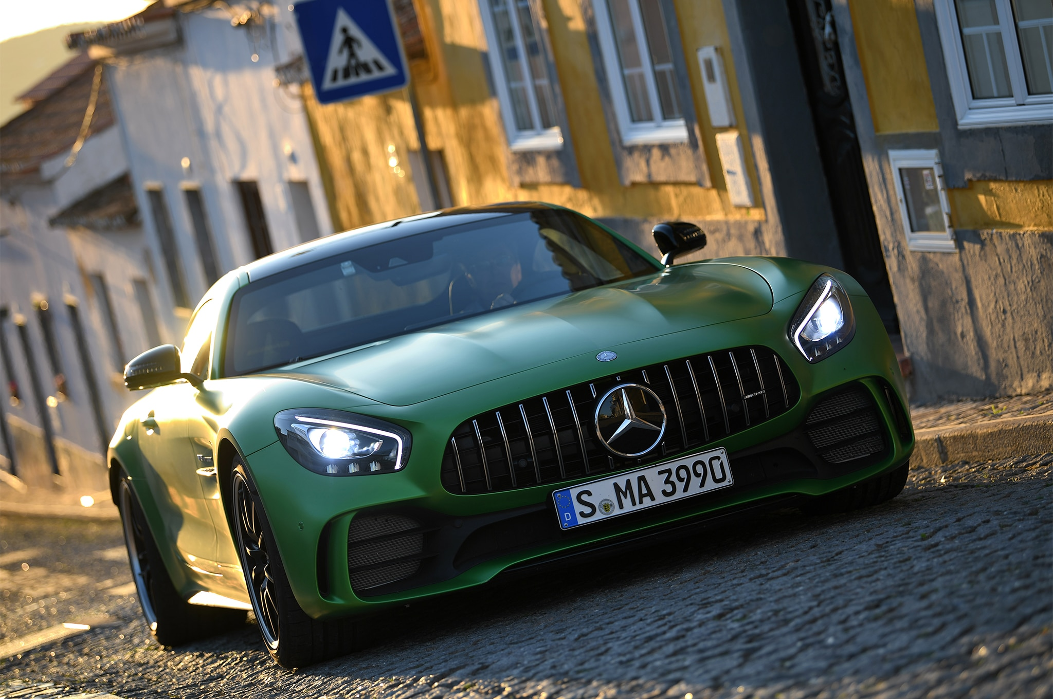 2018 Mercedes Amg Gt R First Drive Review Automobile Magazine