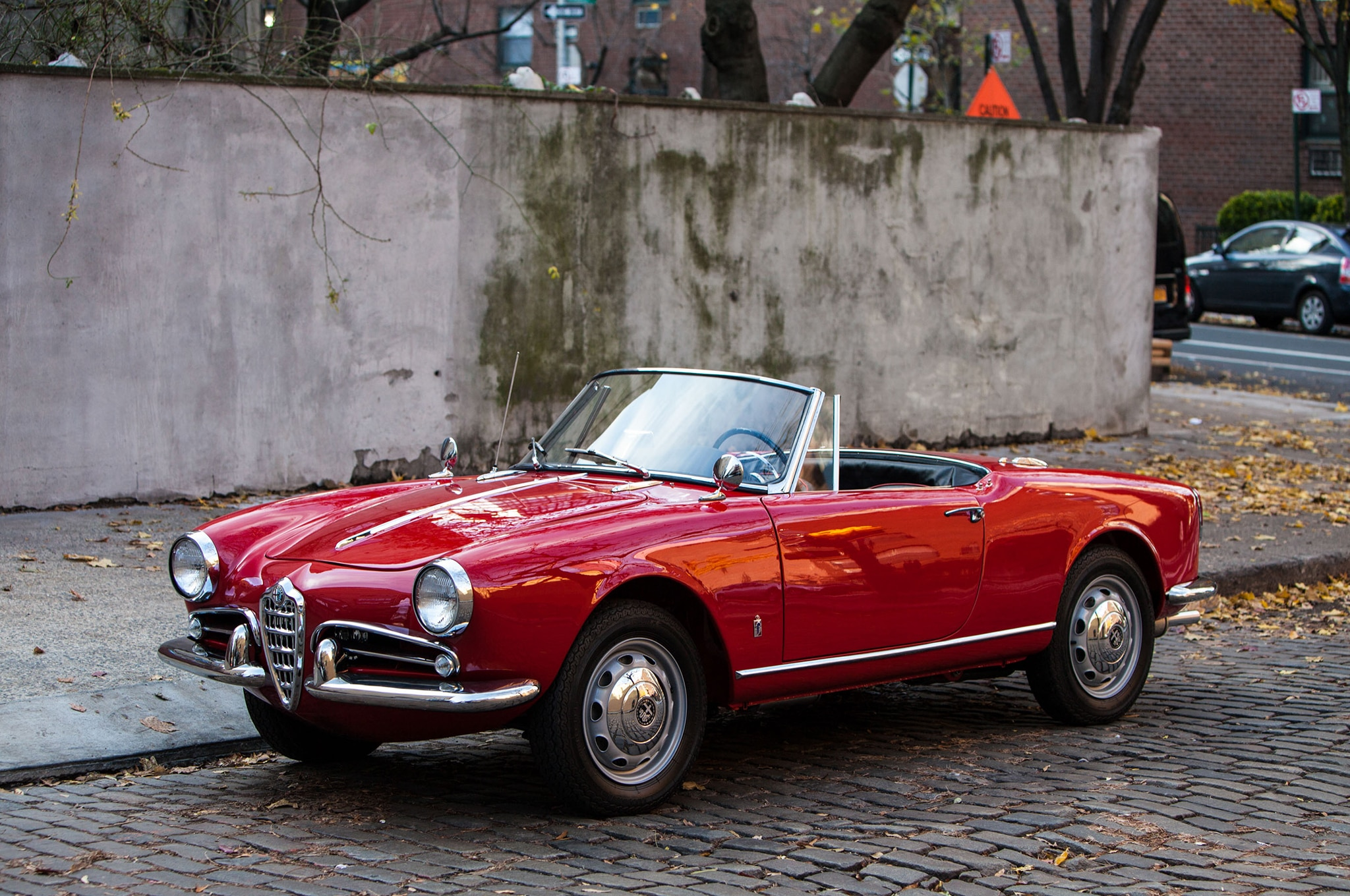 Cheap Old Cars >> Just Listed: 1962 Alfa Romeo Giulietta Spider Veloce | Automobile Magazine