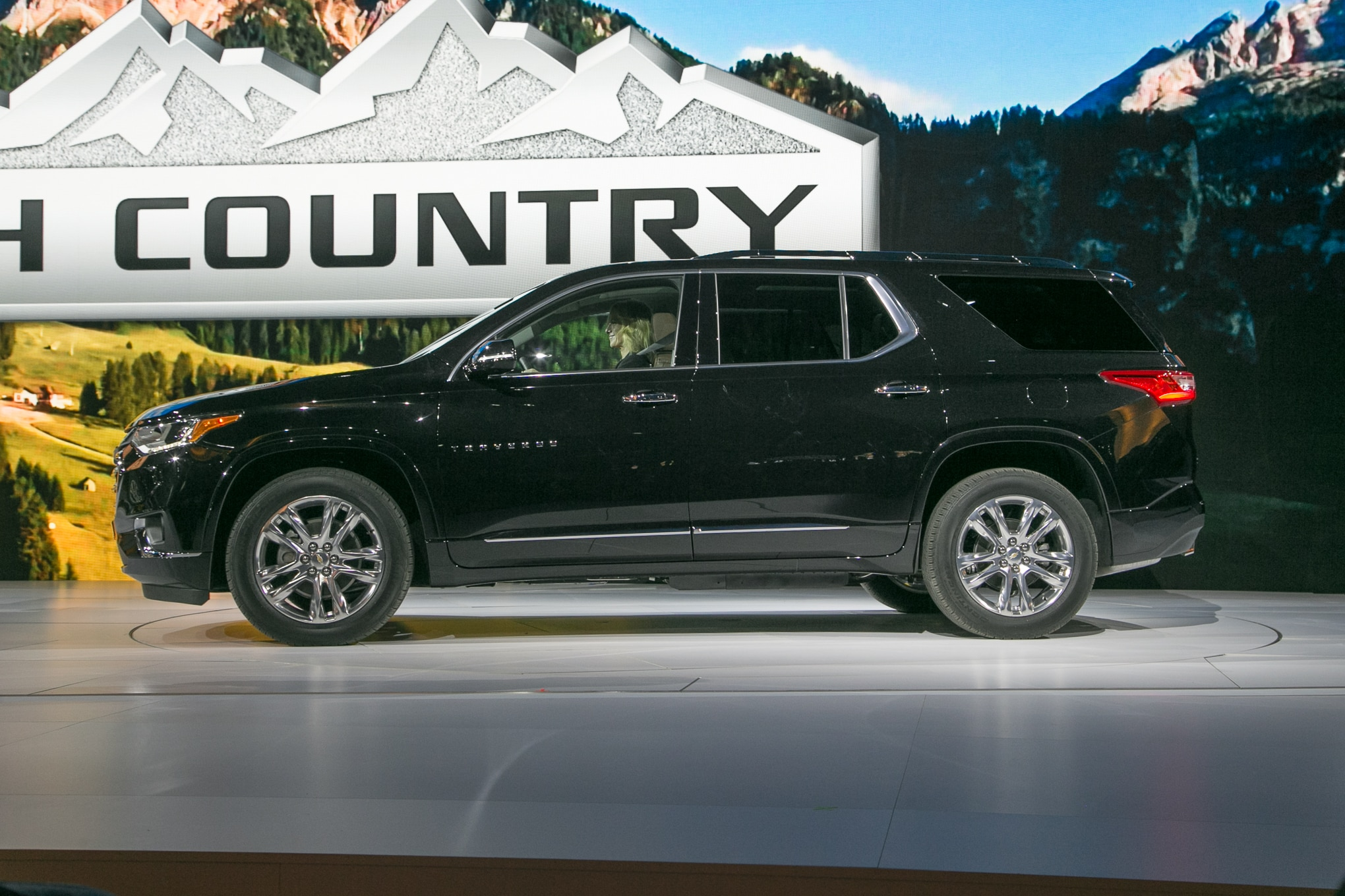First Look: 2018 Chevrolet Traverse | Automobile Magazine