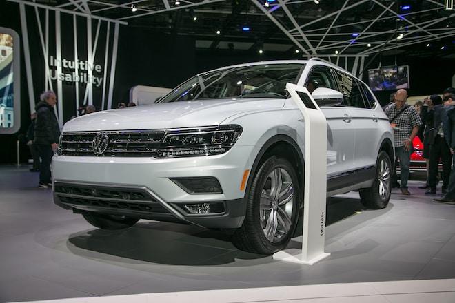 2018 Volkswagen Tiguan Long Wheelbase Front Three Quarter