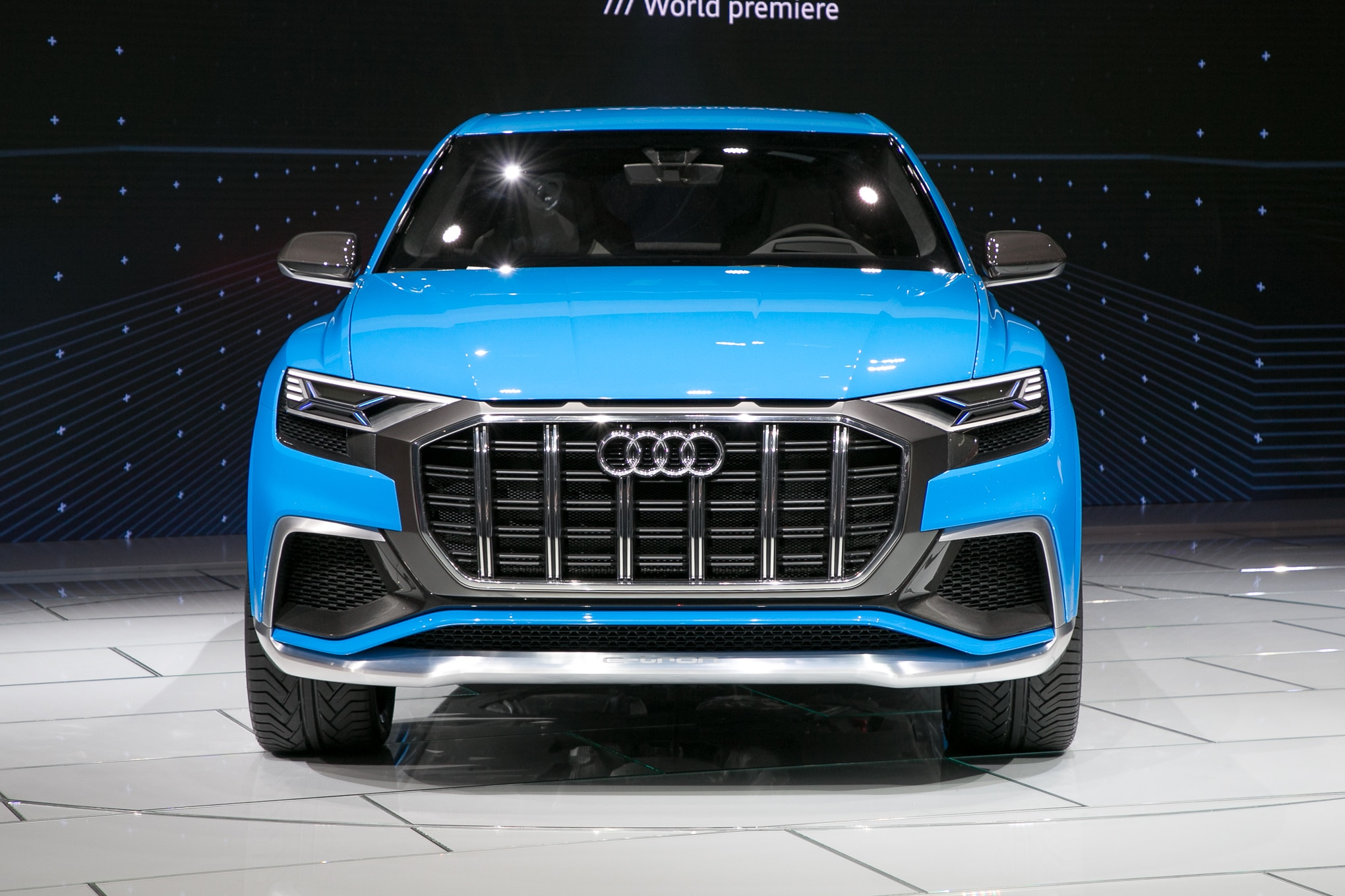 Awesome Lights Seven Awesome Features Of The Audi Q8 Concept Automobile