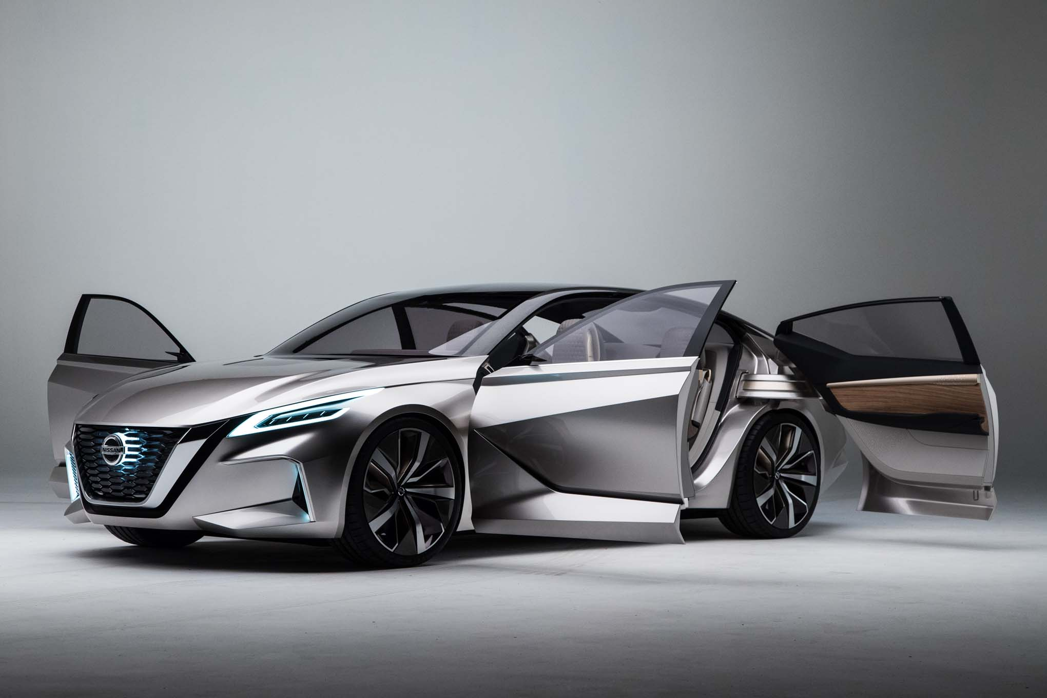 Nissan Vmotion 2 0 Concept Previews The Next Altima