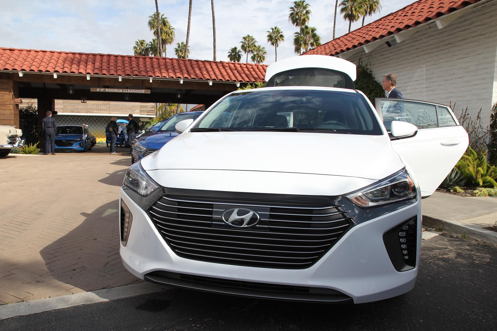 First Drive: 2017 Hyundai Ioniq Hybrid and Ioniq Electric