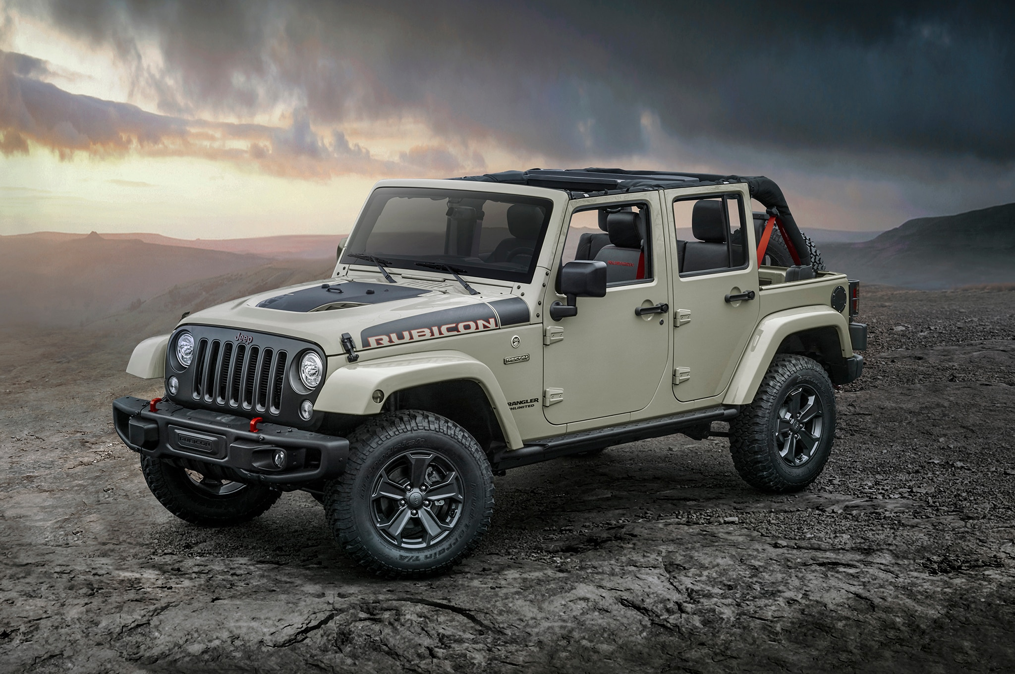 Wrangler 35 Inch Tires >> 2017 Jeep Wrangler Rubicon Recon is the Most Off-Road ...