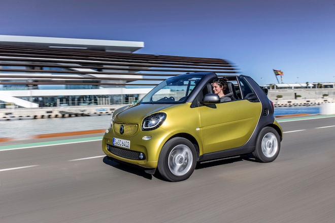 2017 Smart Fortwo Cabrio Front Three Quarter In Motion 3