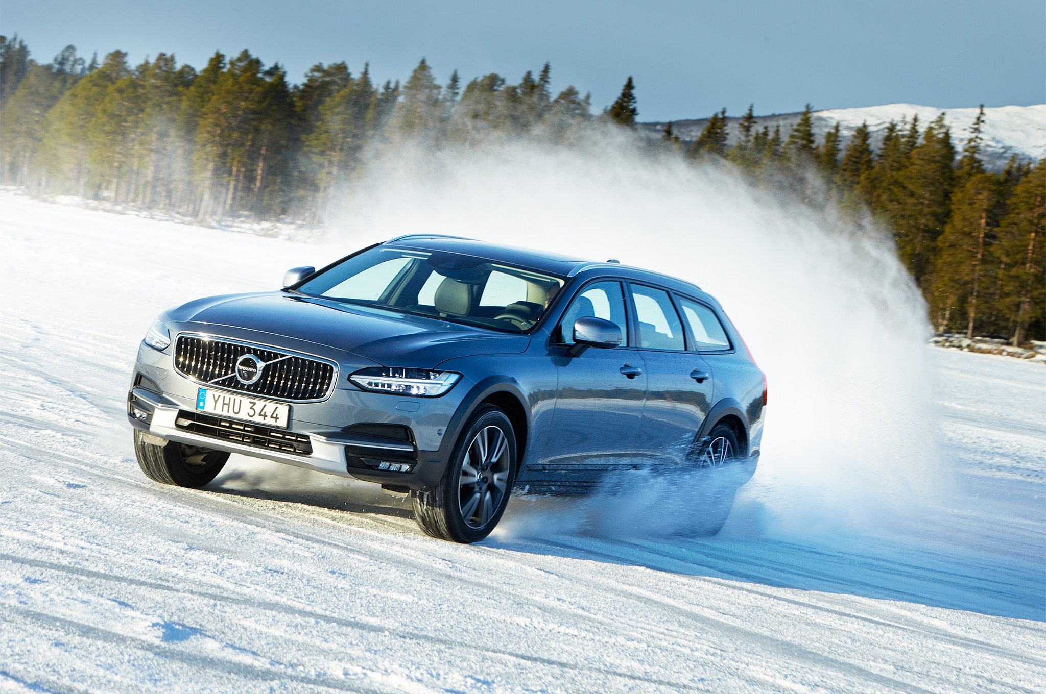 2017 Volvo V90 Cross Country Front Three Quarter In Motion 07