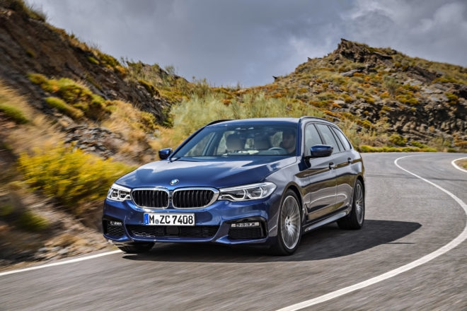 2018 BMW 5 Series Touring Moving Front