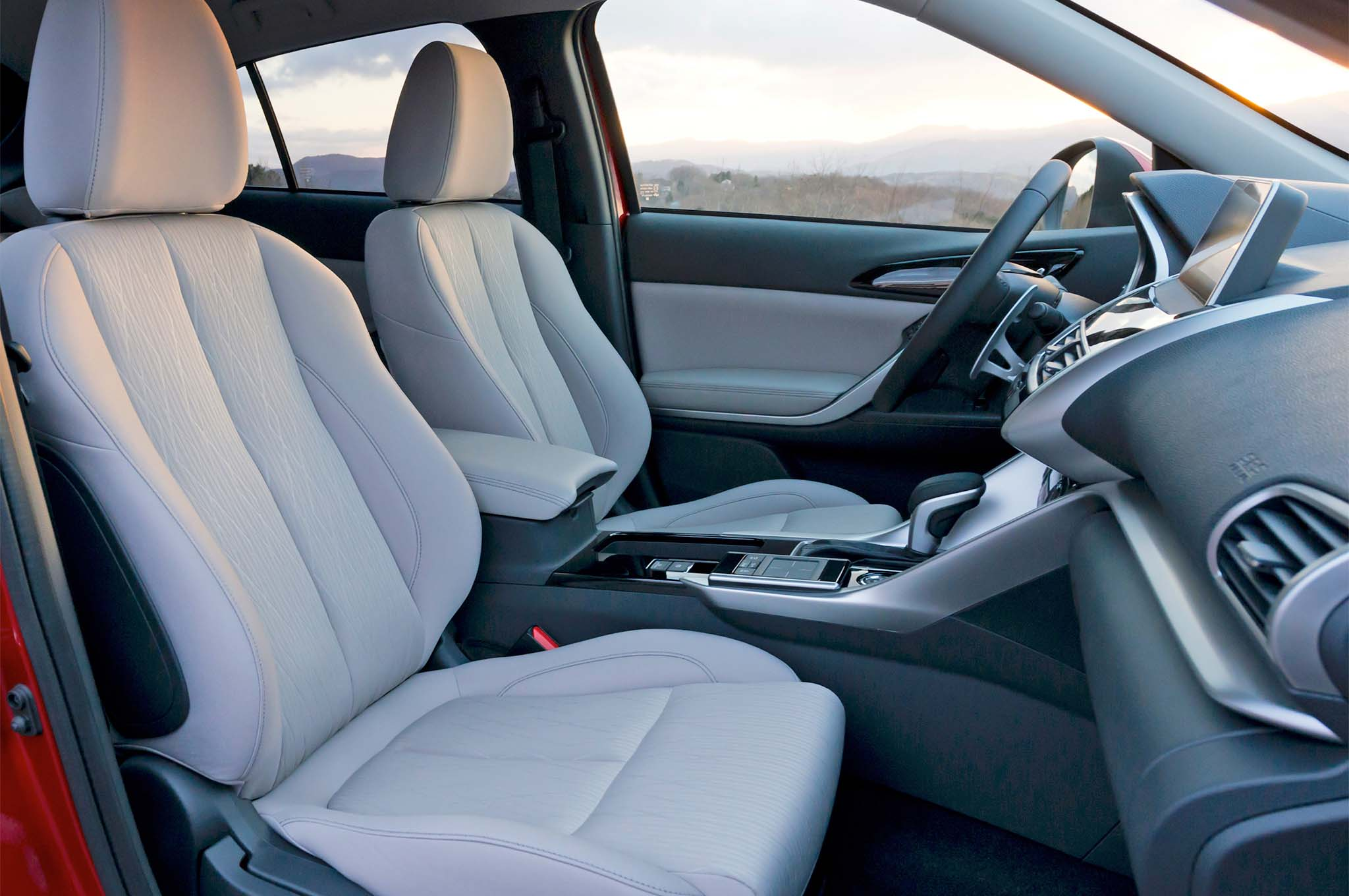 2018 Mitsubishi Eclipse Cross Front Interior Seats 02 1