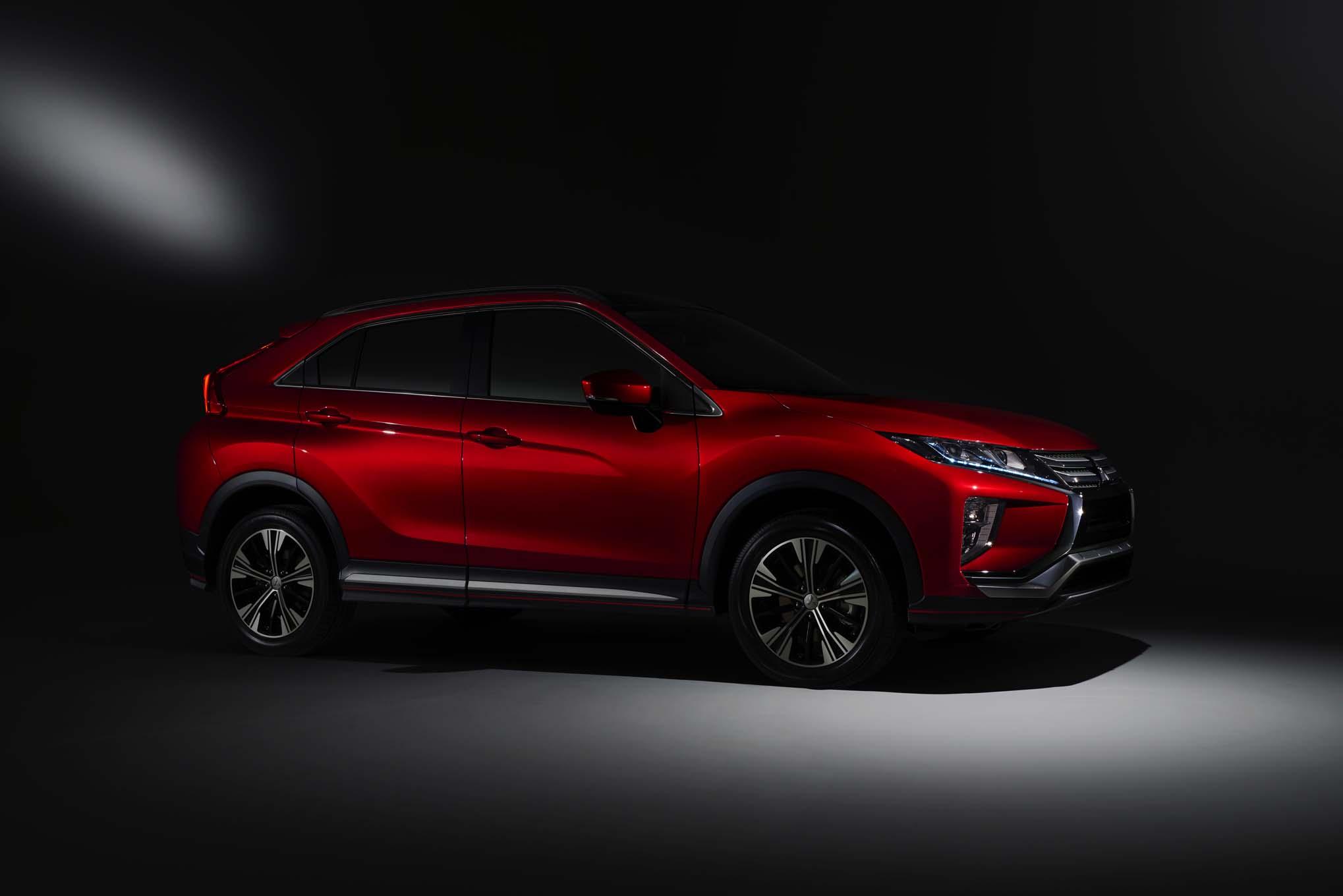 2018 Mitsubishi Eclipse Cross Front Side Three Quarters 1