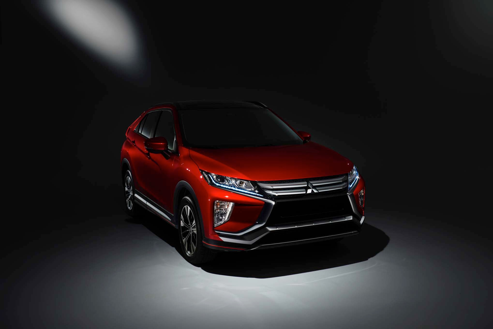 2018 Mitsubishi Eclipse Cross Front Three Quarters 1