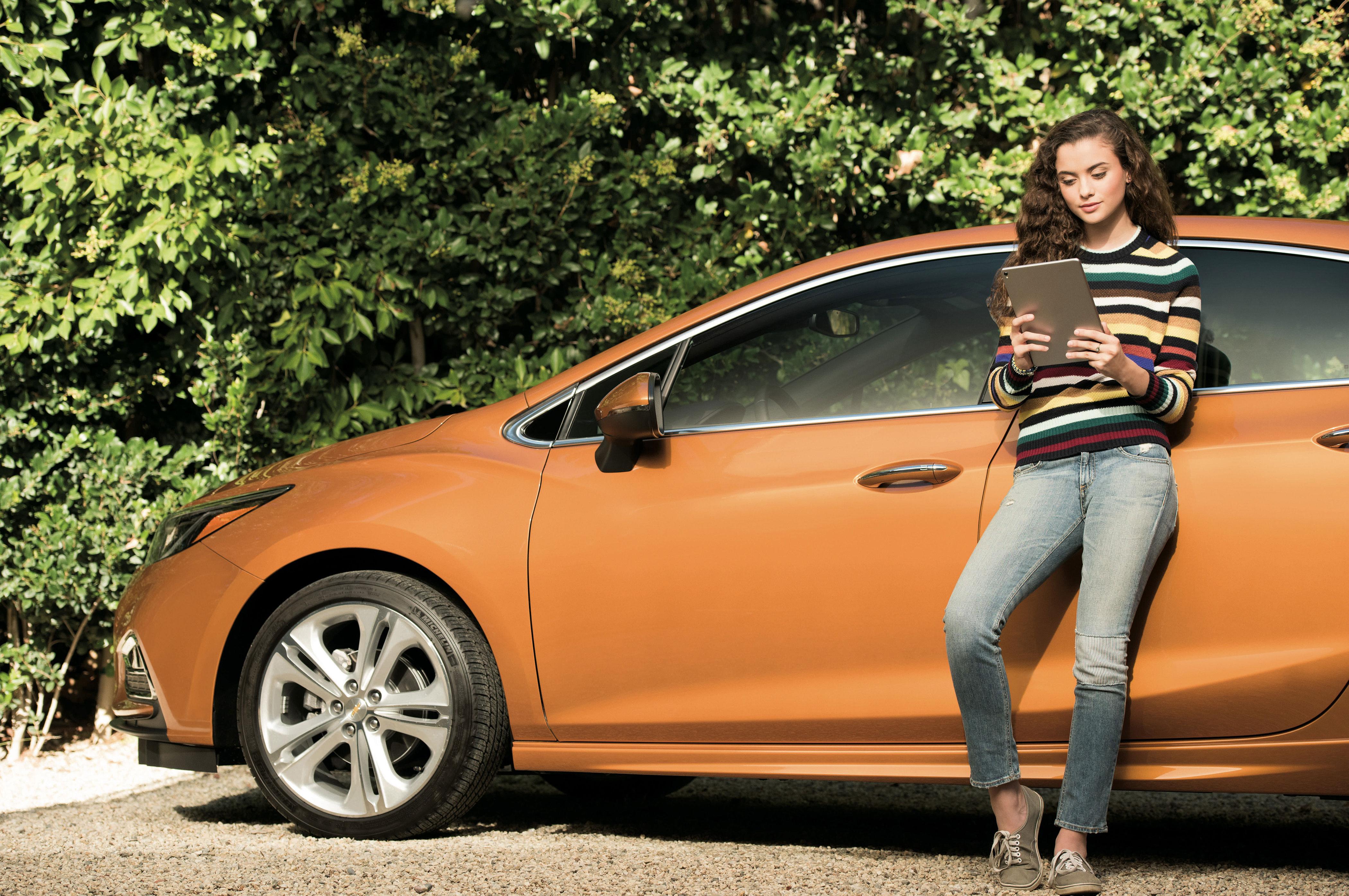 2017 Chevrolet Cruze in vehicle OnStar 4GLTE Wi Fi