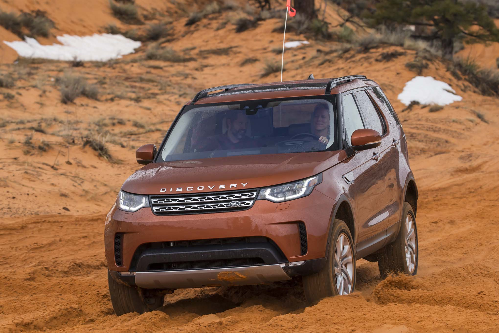 2017 Land Rover Discovery Off Road 10