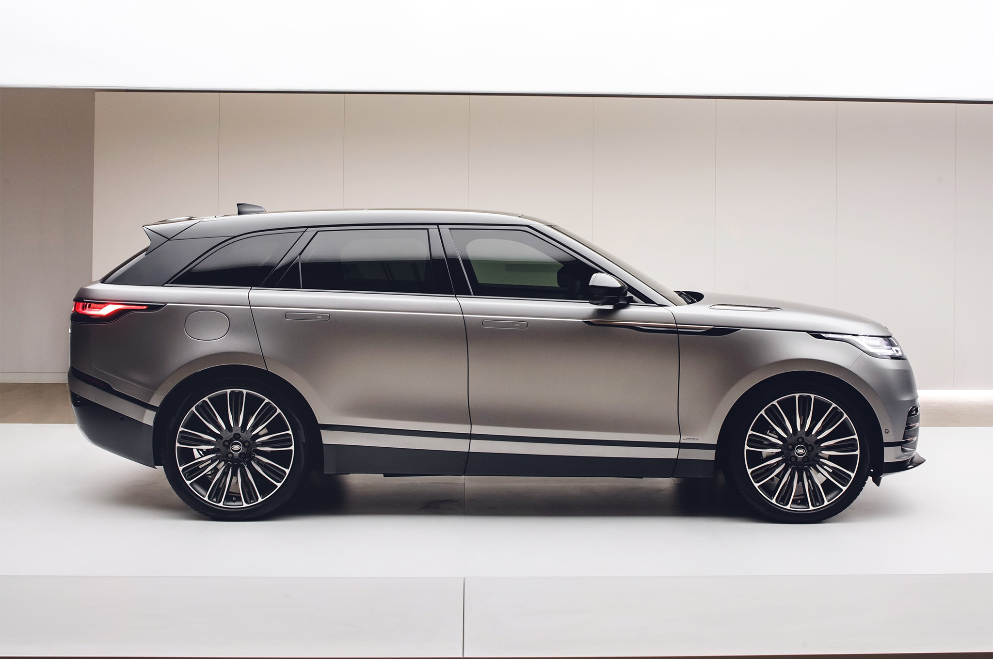 Velar Land Rover >> First Look: 2018 Range Rover Velar | Automobile Magazine