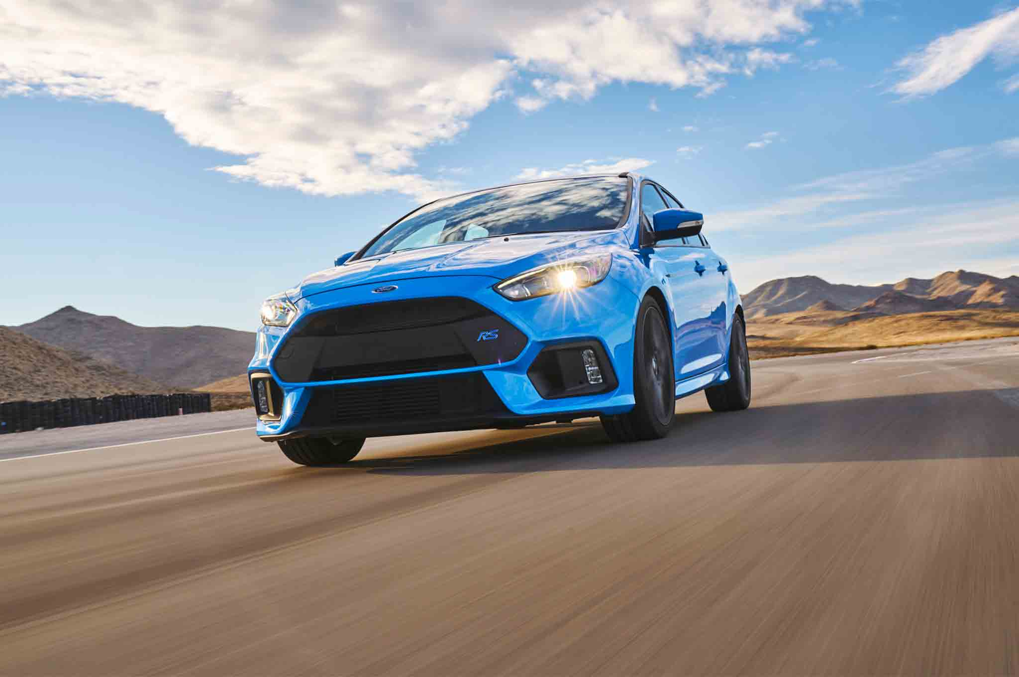 Ford Focus RS 2017 All Stars Contender Front Three Quarter In Motion 02