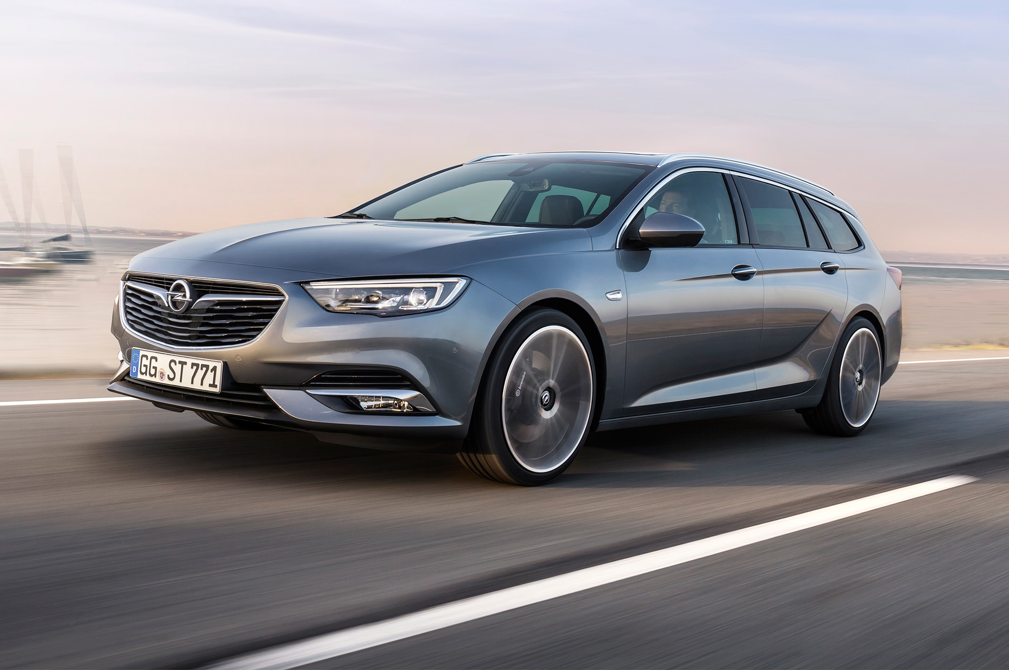 Opel Insignia Sports Tourer Front Three Quarter In Motion 02 34