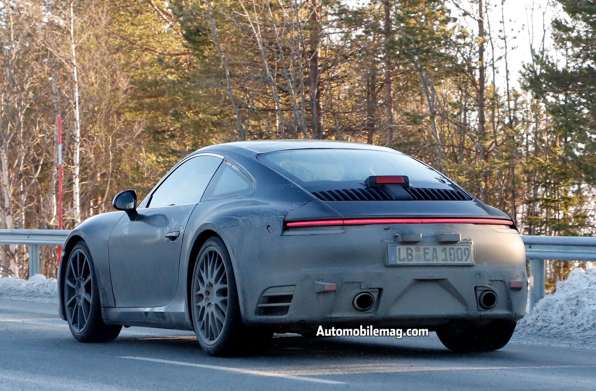 Porsche 992 Spoiler Down 12 1