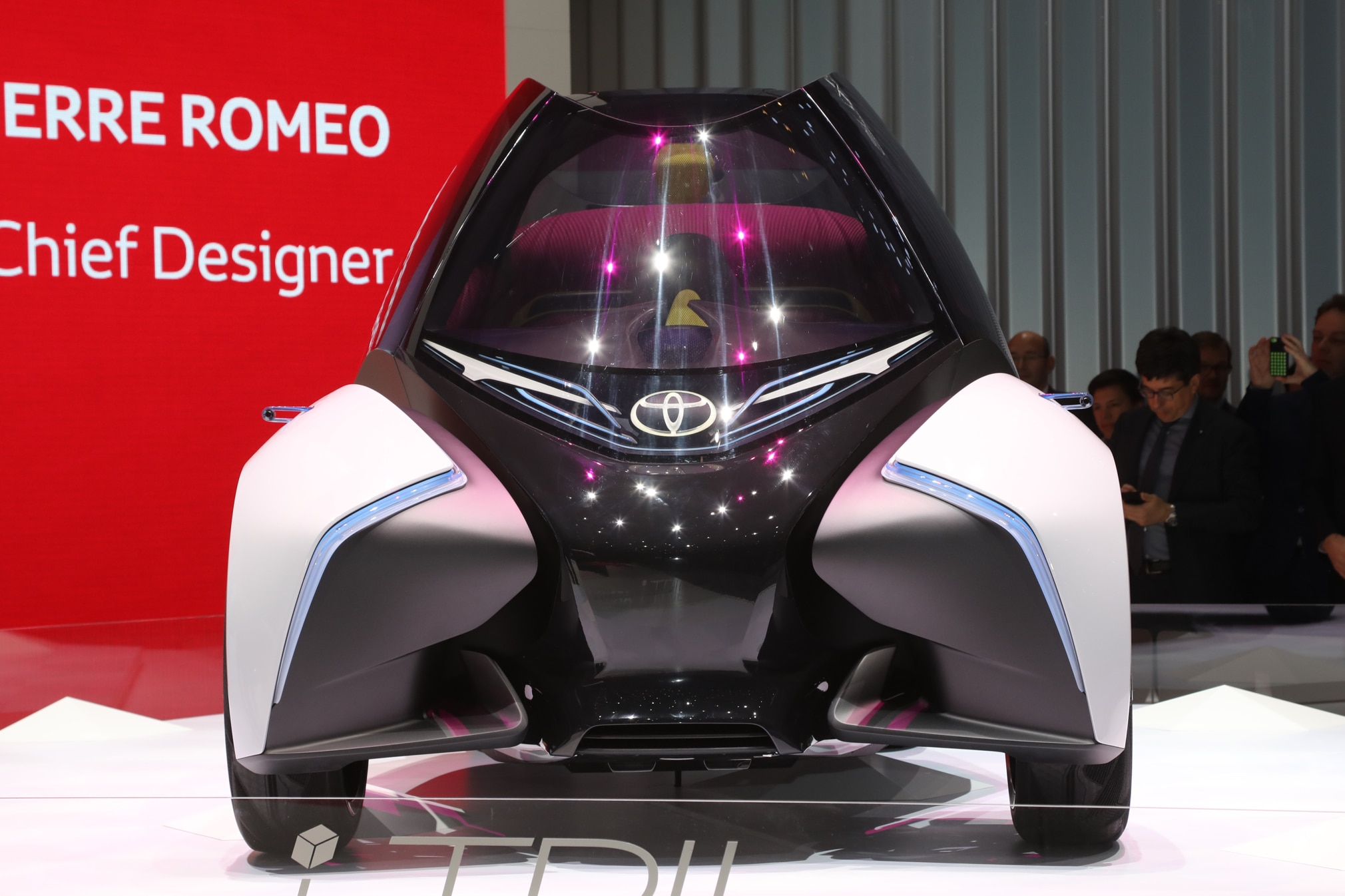 Toyota-i-TRIL-front-end-02-1