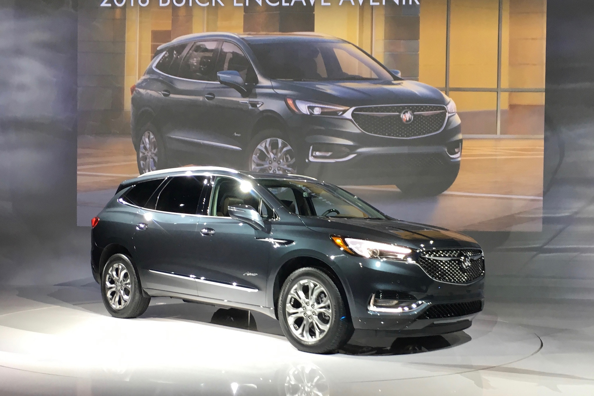 2018 Buick Enclave Avenir Aims to Elevate the Brand ...