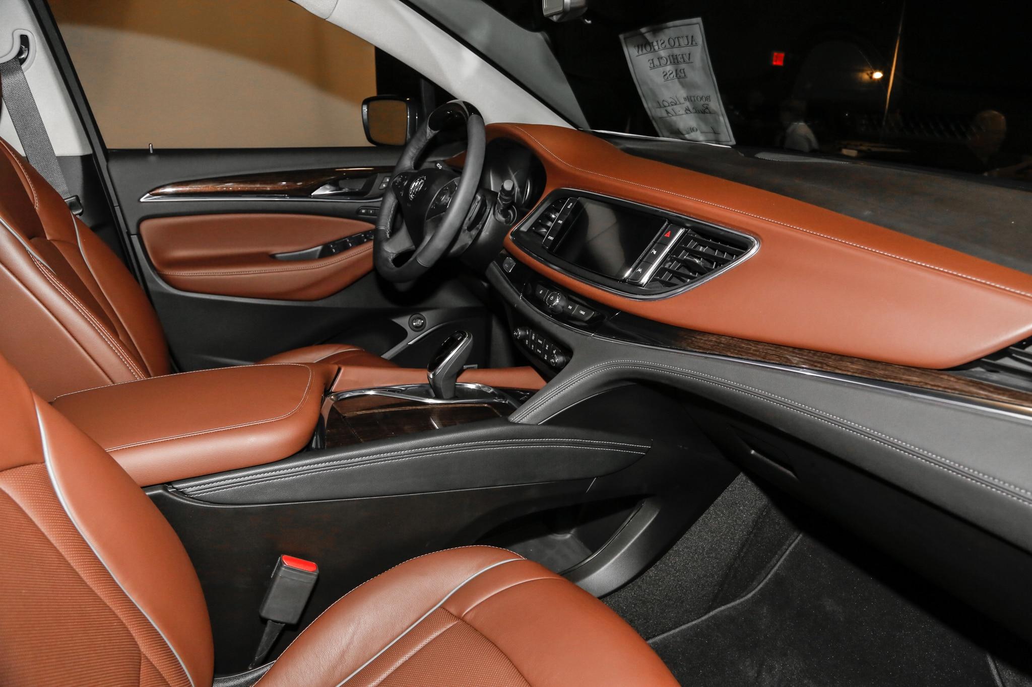 2018 Buick Enclave Ditches Portholes Embraces Class Automobile