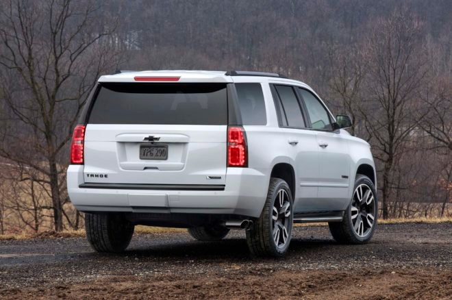 2018 Chevrolet Tahoe RST rear three quarter