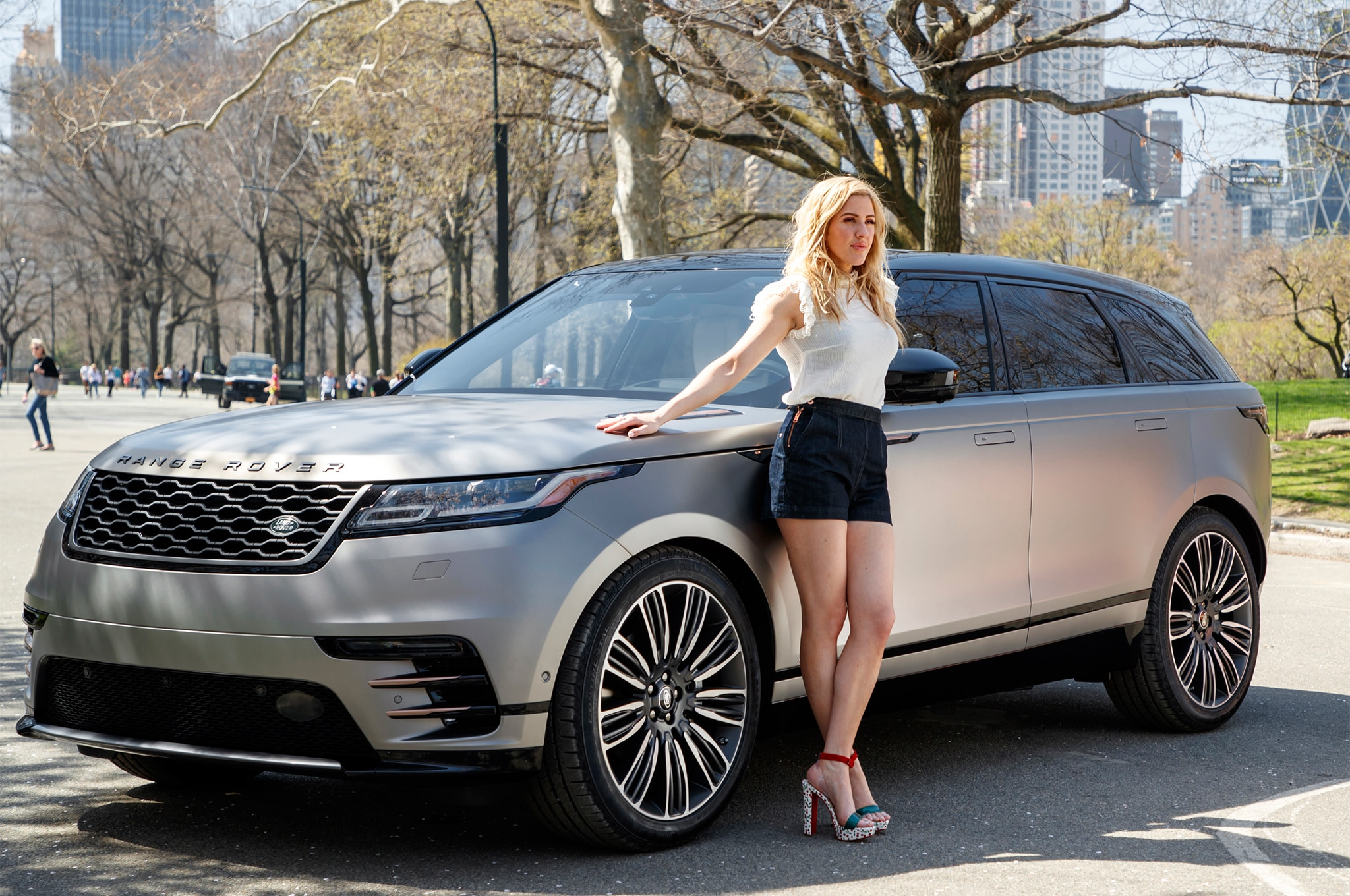 Land Rover Range Rover Velar First Edition >> 2018 Range Rover Velar Takes Manhattan with Pop Star Ellie ...