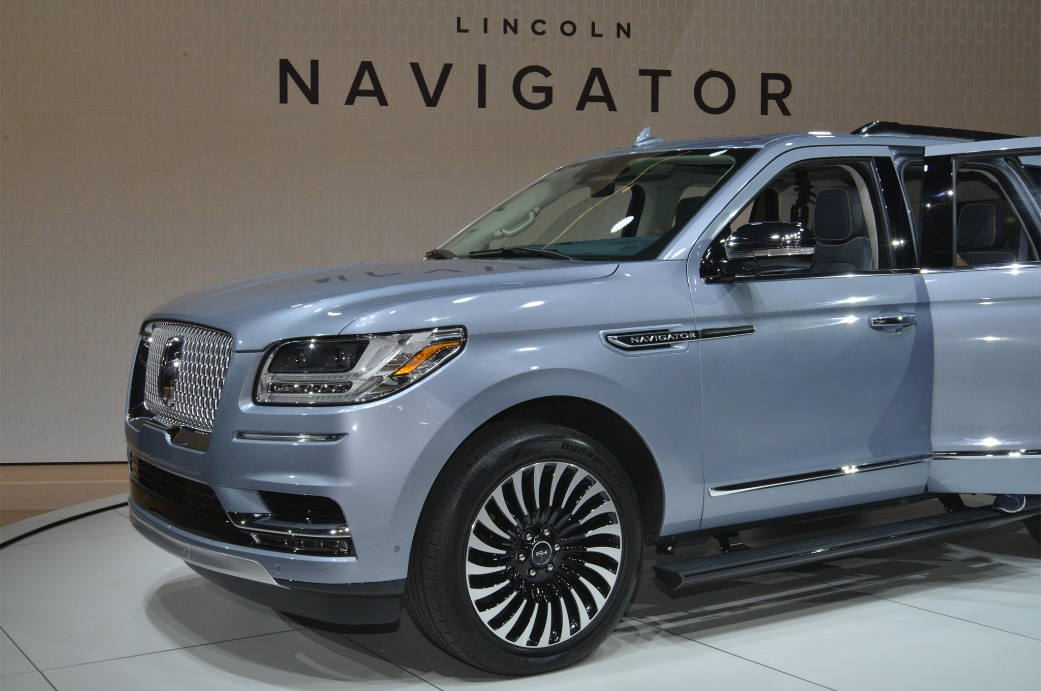 2018 Lincoln Navigator Black Label Is A Huge Three Row Leap In The