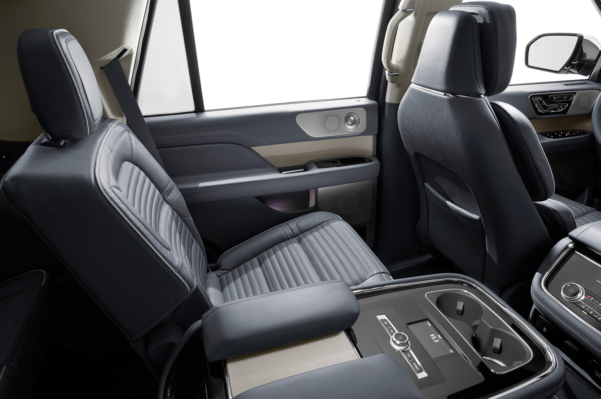 2018 Lincoln Navigator Black Label Is A Huge Three Row