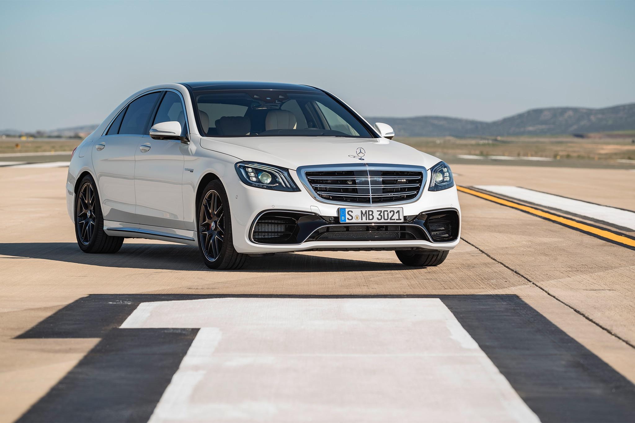 https://st.automobilemag.com/uploads/sites/11/2017/04/2018-Mercedes-AMG-S63-front-three-quarter-03.jpg