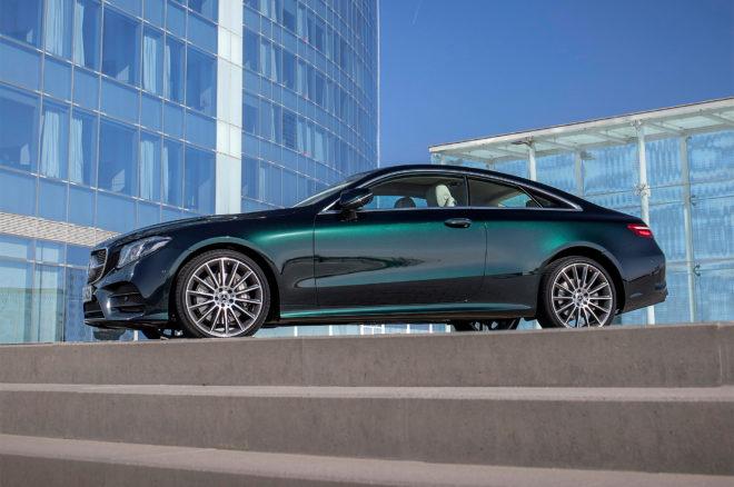 2018 Mercedes Benz E400 4MATIC Coupe side profile 01